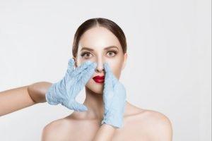 Die Schönheitskliniken am Main bieten Ihnen die preiswertesten und besten Nasenkorrekturen an